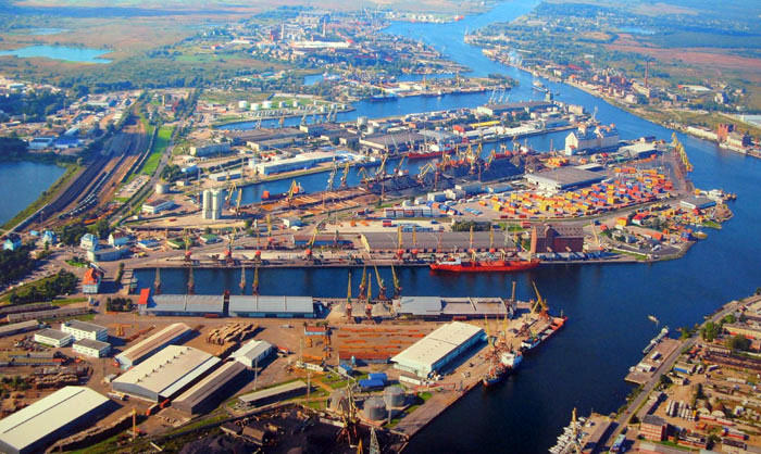 the only russian port on baltic sea in free economic zone; 36 hours to ...: www.kscport.ru/?p=&lang=en